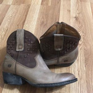 Born booties size 10 leather